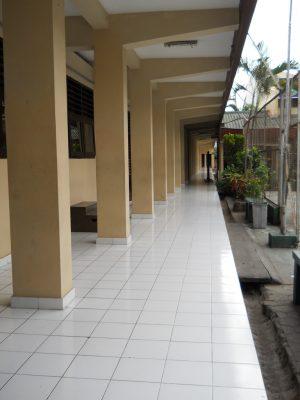 koridor ruang kelas x A, B, C